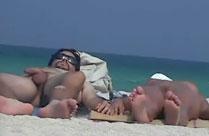 Heisse Latina nackt am Strand