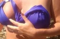 Muttern zeigt ihre dicken Titten