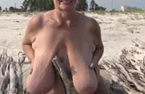 Oma hat geile Schlauchtitten