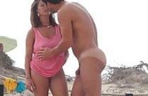 Reife Italienerin am Nudisten Strand