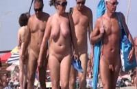 Geile Nudisten am Strand gefilmt
