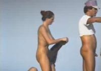 Nudisten nackt am Strand