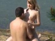 Junges Studenten Paar fickt am Strand