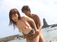 Junge Japanerin beim Strandfick