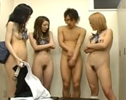 Splitter nackt in der Uni